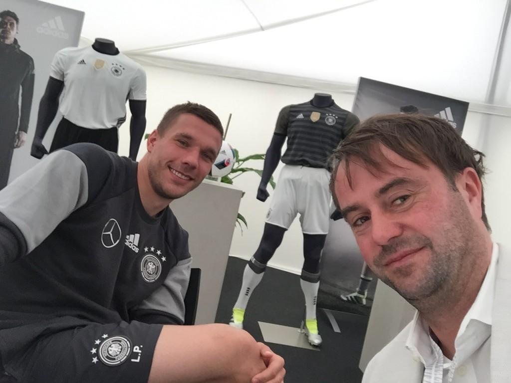 Bei unserem letzten gemeinsamen Turnier saßen Podolski und ich während der EM 2016 in Frankreich zweimal für Interviews zusammen
