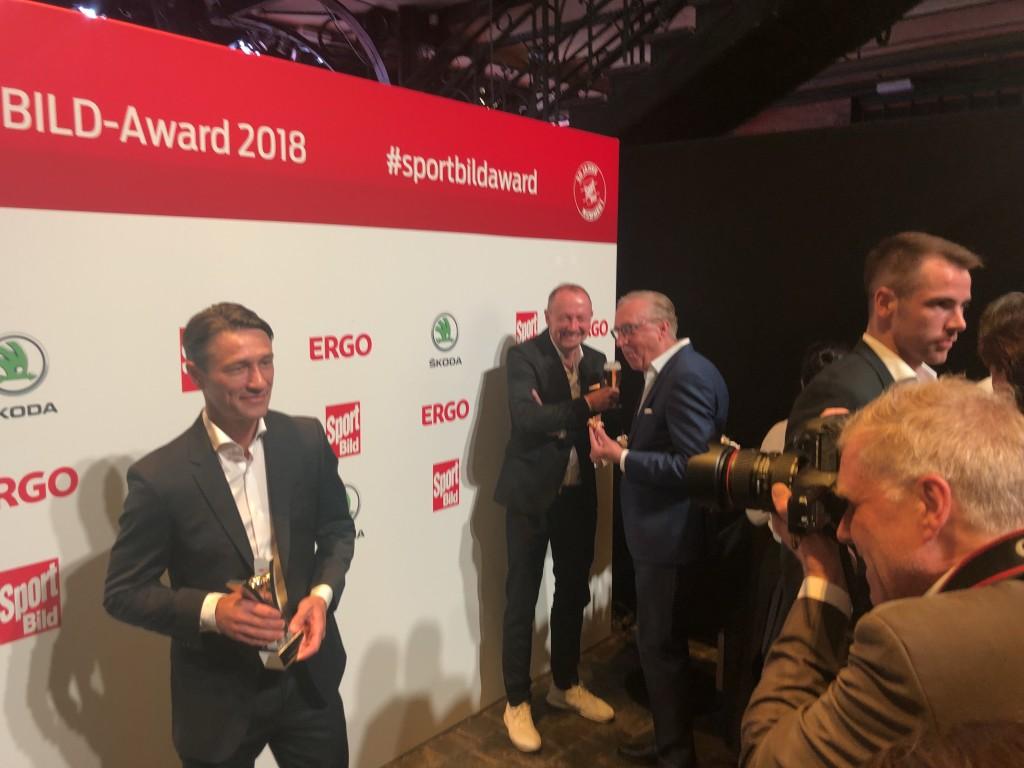 Niko Kovac im Preisträger-Bereich mit seiner Auszeichnung