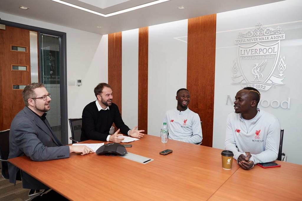 Doppelinterview: Sadio Mané und Naby Keita (von rechts) empfangen uns zum Interview in Melwood Foto: Paul Greenwood